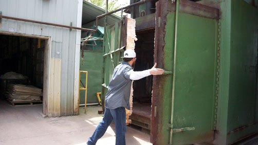 Closing-Large-Furnace-Western-Industrial-Ceramics